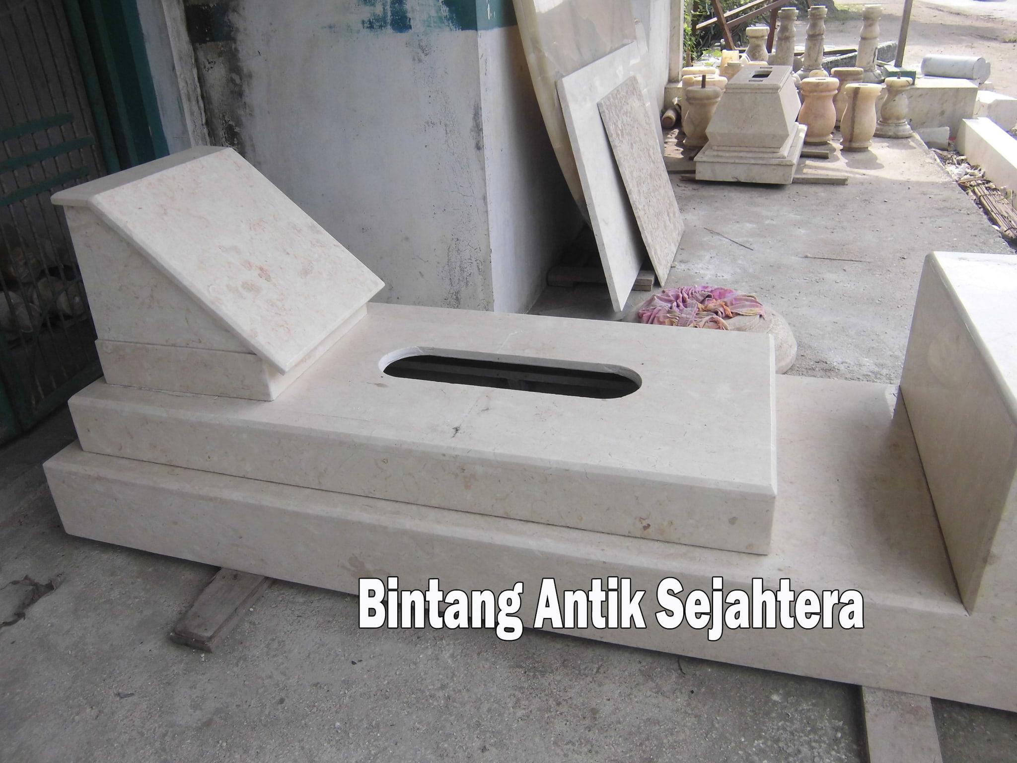 Makam Marmer Model Pahlawan